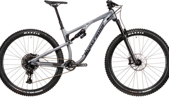 Nukeproof Reactor Comp Bike